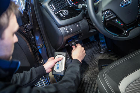 Kontroll av bilens elektronik