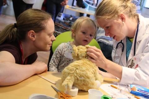 Beslut i Västra Götaland: Satsa på cochleaimplantat-behandling så fler får höra och höra bra