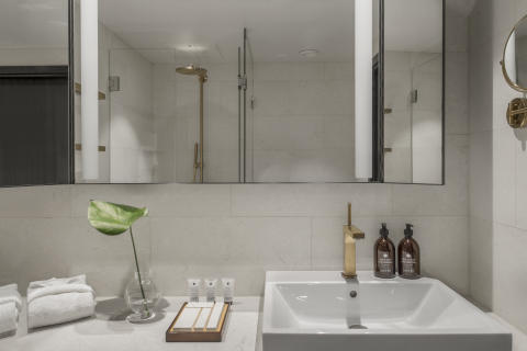 At Six_Washbasin