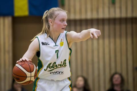 BASKETLIGAN DAM: Klara Lundquist blir Årets Stjärnskott