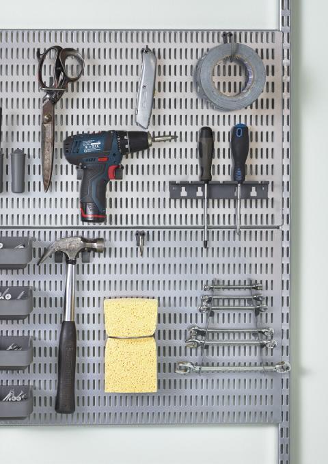 Utility-Storage-Garage-platinum-storingboard-tools-closeup-square.tif-original