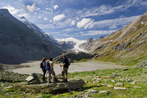 A Spectacular Guided Walk in Austria's Lake District