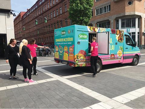 Nyhet! Sevans Mezebil bjuder på sommarens mezeröror i Stockholm!