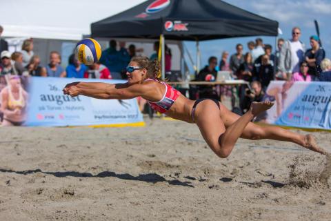 Kom til beachvolleystævne på Vedbæk Strand