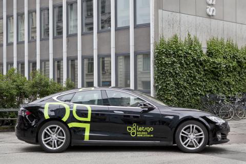 Nu kan alle køre Tesla som delebil
