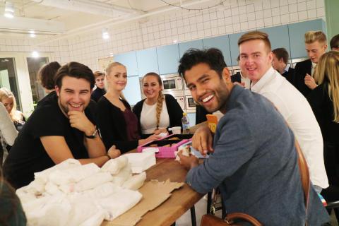 Ung Företagsamhet deltar på Skellefteå Näringslivs morgonmöte.