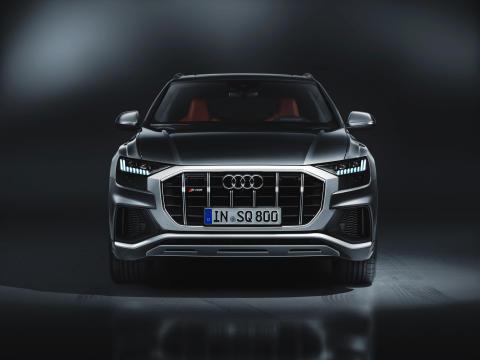 Audi SQ8 TDI (daytonagrå)