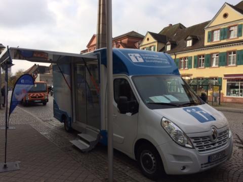 Beratungsmobil der Unabhängigen Patientenberatung kommt am 8. September nach Offenburg.