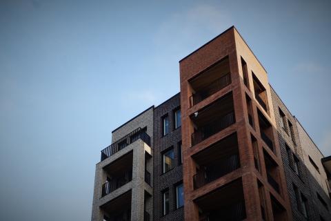 Orosmoln tornar upp sig på byggmarknaden enligt Industrifaktas konsultpanel
