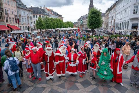140 julemænd, julekoner og nissebørn i København