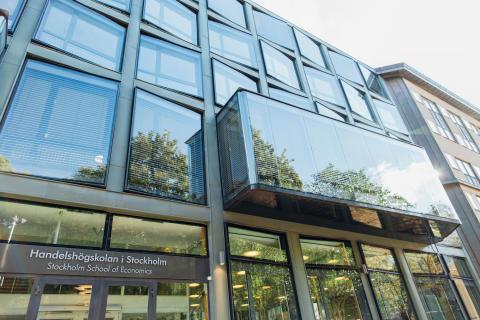 Ny forskning från Handelshögskolan redovisar uppkomsten och utvecklingen av FinTech i Sverige