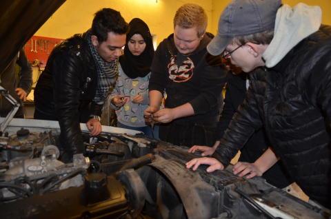 Bilprojekt förenar ungdomar med olika bakgrund