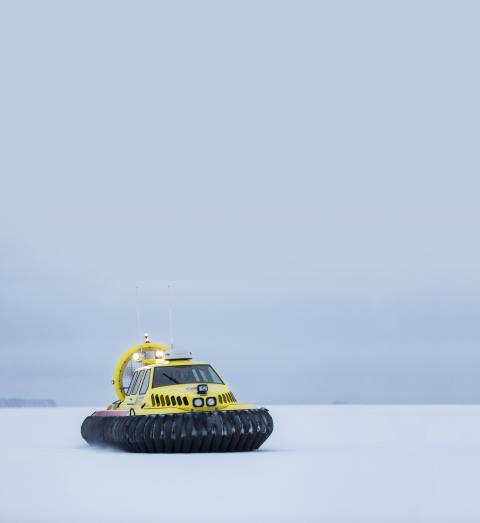 Länsförsäkringar Östgöta donerar ny svävare