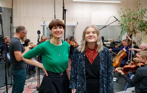 Innspilling på Kysten Studio i Tromsø i dag. Aggie Frost og Lisa Skoglund. Foto: NOSO