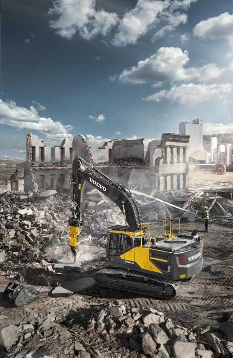 Hydraulhammare Volvo HB24 och Volvo EC250E grävmaskin