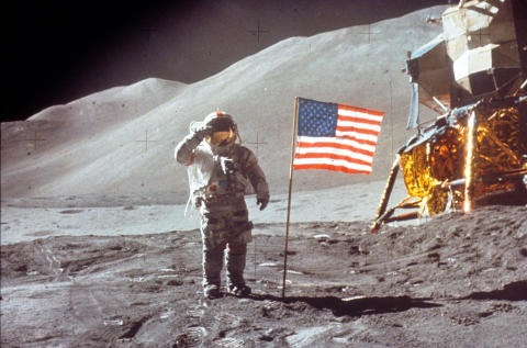 Moon Landings Lost Tapes_HISTORY (3)