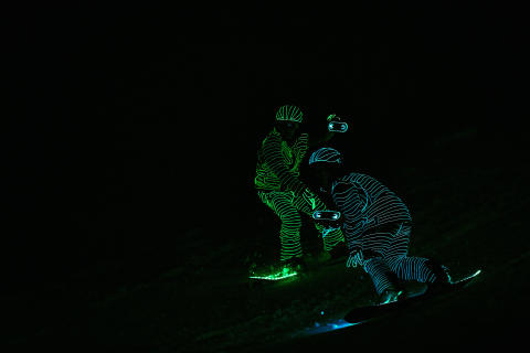 BUCK_LED_Snowboarders13
