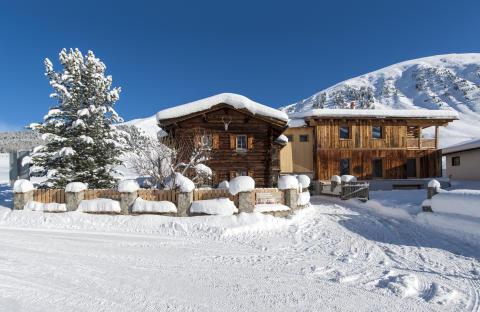 Luxuriöse Alphütten in der Schweiz