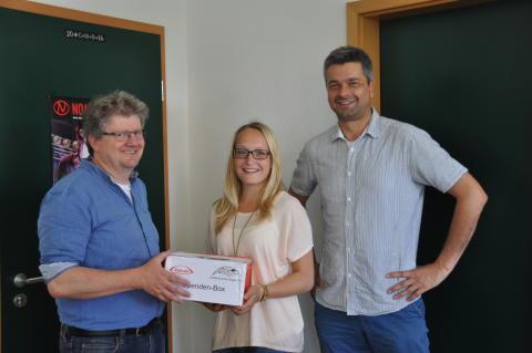 Takeda-Azubis übergeben 750-Euro-Spende an Kinderhilfsprojekt