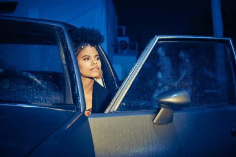 Zazie Beetz som Van i Atlanta. Säsongspremiär på FOX fredag den 6/4 kl 22.50.
