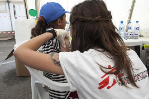 Läkare Utan Gränsers vaccinationskampanj i Polikastro, Grekland.