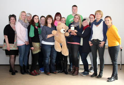AWO-Erzieherklasse sammelt für Bärenherz