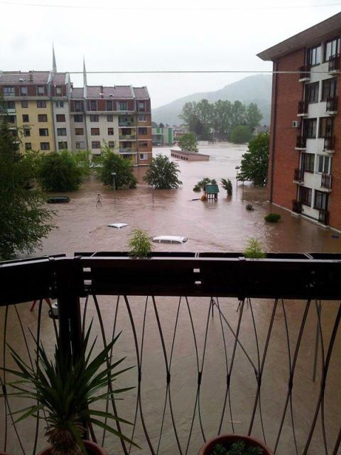 Jahrhundertflut auf dem Balkan / SOS-Kinderdörfer in Bosnien, Serbien und Kroatien sind sicher