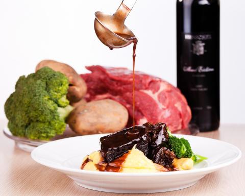 Två maträtter av tre vinnare i Jämtlandsmenyn från Storhogna Högfjällshotell & Spa