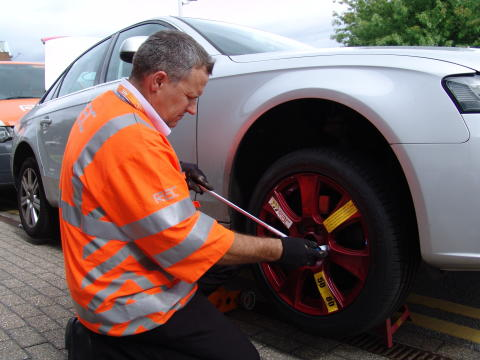 RAC Patrol fitting a universal spare wheel