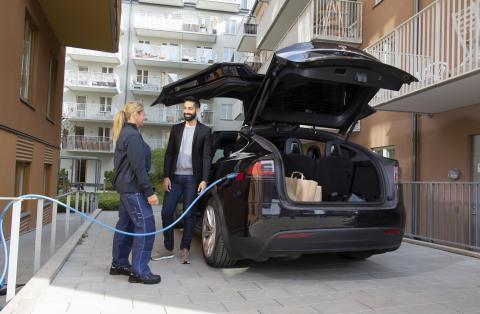 Pressinbjudan: Nu invigs bostadsrättsföreningen Vita Fläckens elbilssatsning!
