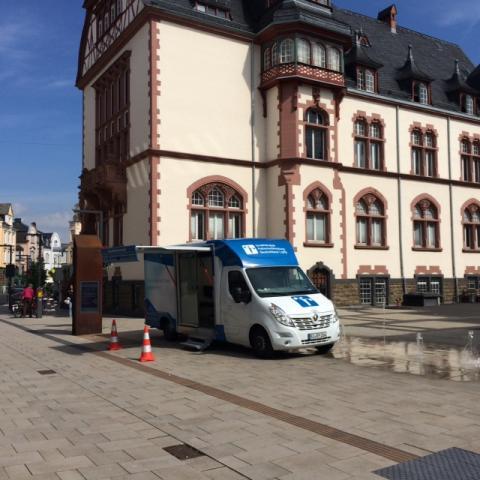 Beratungsmobil der Unabhängigen Patientenberatung kommt am 20. April nach Limburg a. d. Lahn.