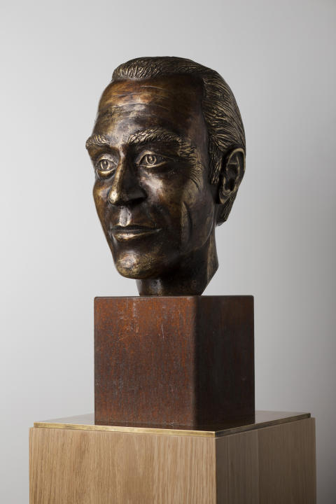 Bust of Harald Edelstam given by a gift of Chile to the Swedish Parliament.