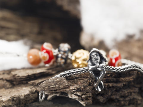 TROLLBEADS: Get Christmas cards from all over the world!
