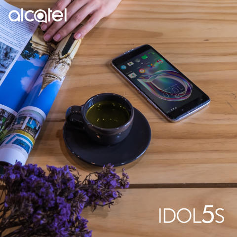 Idol5s_SCN07_Lifestyle_01