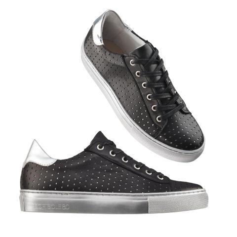 Sneakers metallica