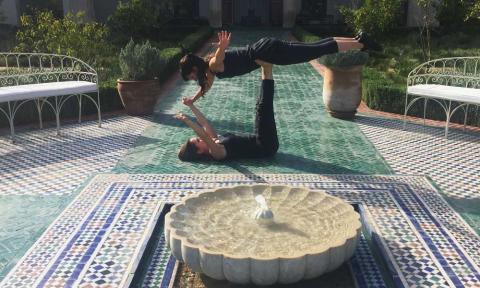Acro Yoga in YOIQI_Source NOSADE