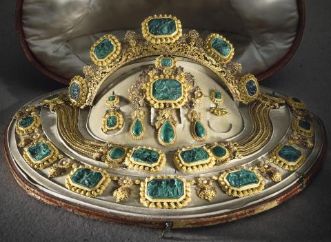 Smycken. Drottning Sofias garnityr. Fotograf: Mats Landin