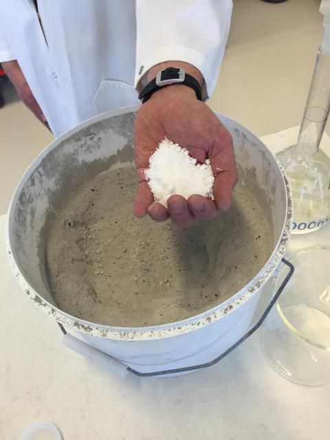 Kommersiella salter utvinns ur aska från avfallsförbränning