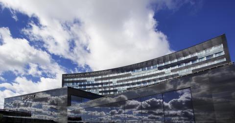 Nya Clarion Hotel Arlanda airport - HIMMELSKT NÄRA -