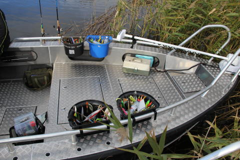 Alukin Pro Fishing kastdäck Boman Edition