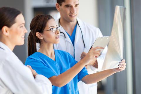 Den stora guiden till läkarstudier utomlands