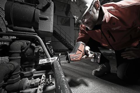 Puukkosahan keksijä määrittelee uudestaan suorituskyvyn 12V puukkosahoille
