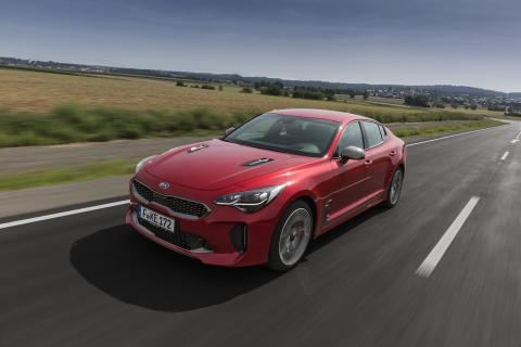 Fem stjerner i Euro NCAP for Kia Stinger og Stonic