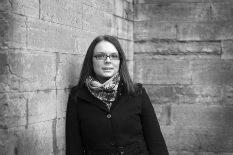 Författarporträtt: Thérèse Eriksson (fotograf: Kristin Carlén)