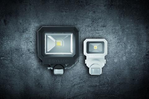 Energieffektiva och ytterst robusta: nya AFL SUN lysdiodstrålkastare med inbyggda rörelsedetektorer