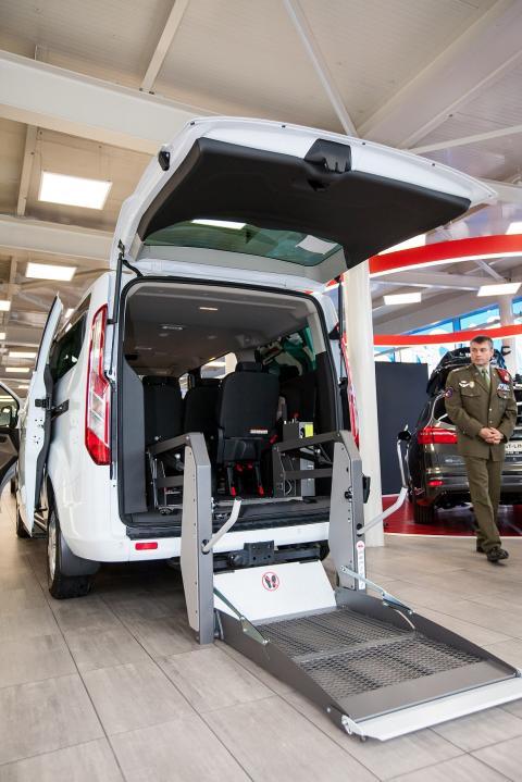 Ford Army pomáhá vojenským veteránům!