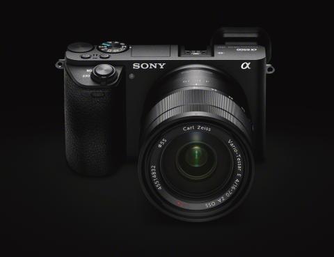 Schnell, präzise und unerschütterlich: die neue Alpha 6500 Kamera von Sony