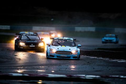 Rasmus Mårthen i ledning under race-2