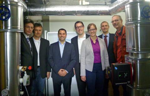 Bayernwerk Natur und Stadtwerke Furth im Wald nehmen Power-to-Heat-Anlage in Betrieb