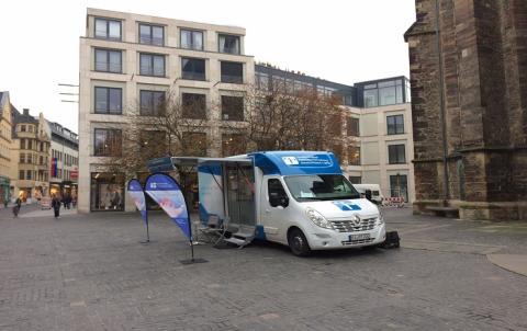 Beratungsmobil der Unabhängigen Patientenberatung kommt am 2. März nach Halle (Saale).